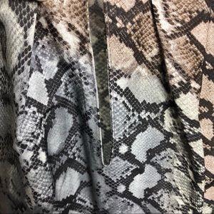 Zara Tops - EUC >> Zara Snakeskin Print Top >> XS